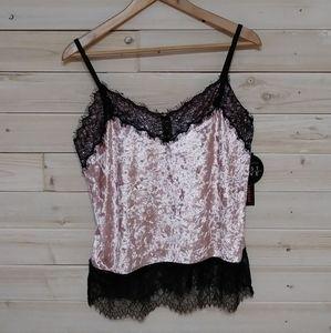 🎁3/$27🎁Pretty velvet sleeveless top